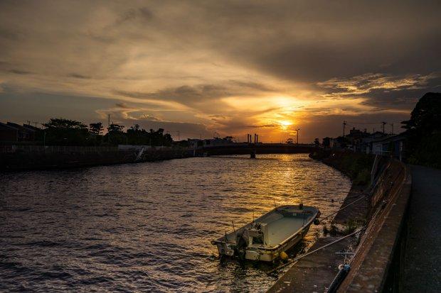 境川の夕陽