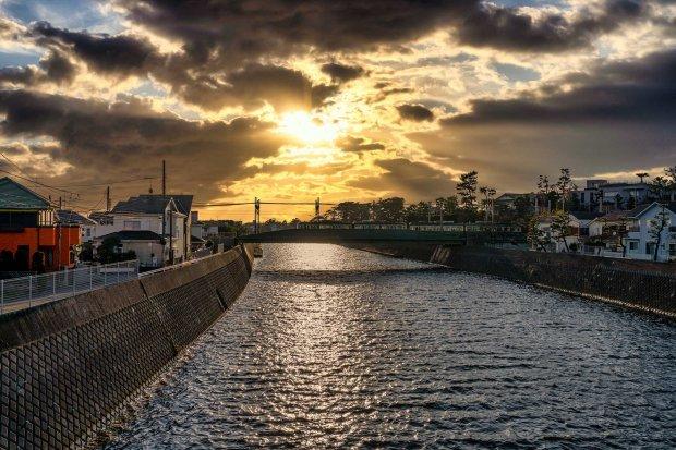 夕陽と江ノ電